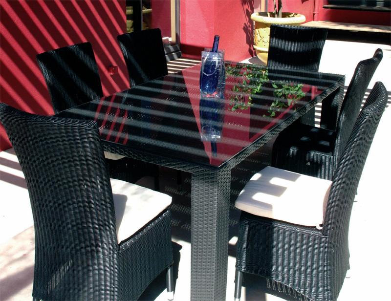 Table et chaise en resine - veranda-styledevie.fr