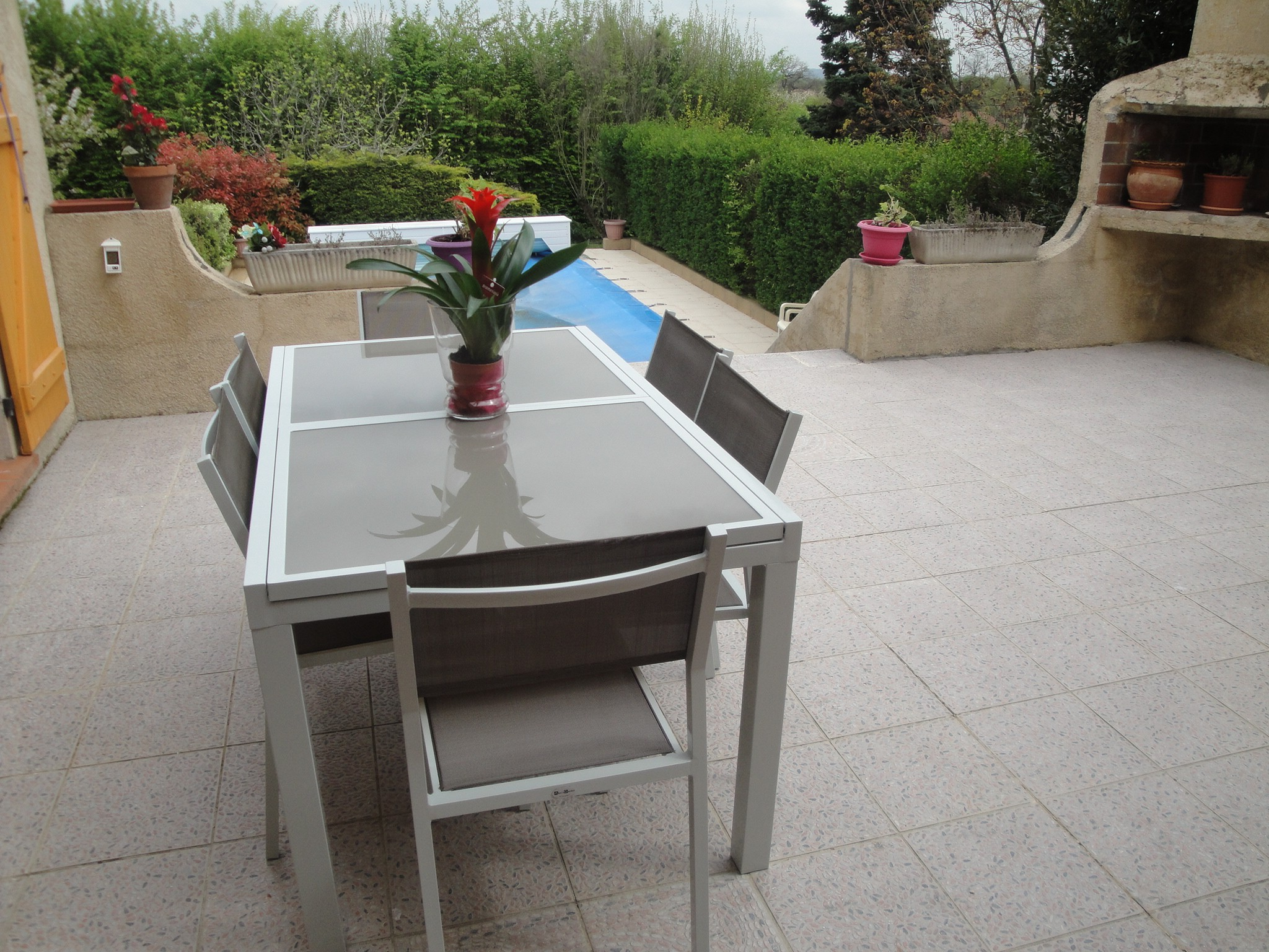 Table plus chaise de jardin aluminium - veranda-styledevie.fr