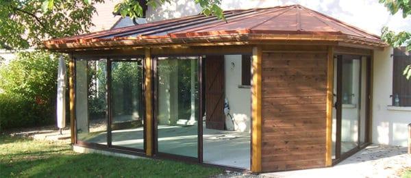 Construire une veranda en bois - veranda-styledevie.fr