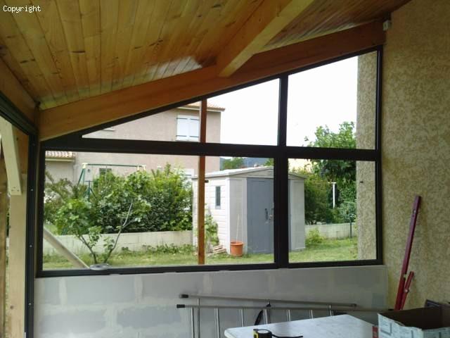 Fermer une veranda en bois - veranda-styledevie.fr