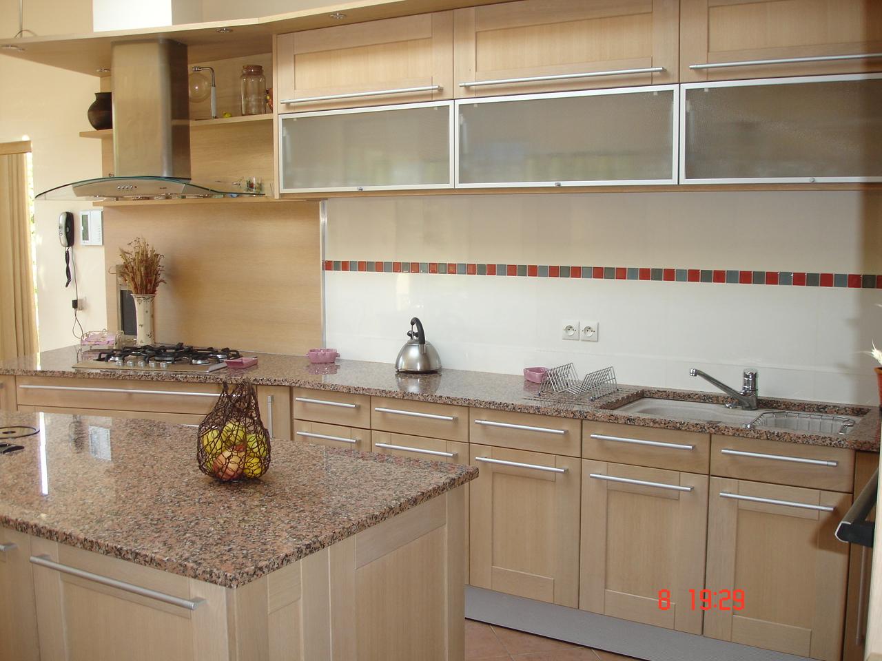 Meuble haut cuisine chene clair veranda - Meuble shaker ...