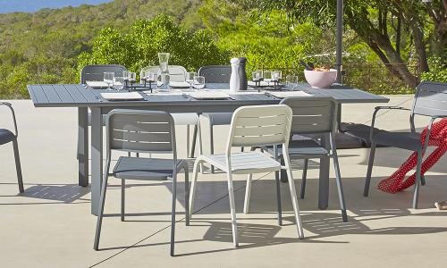 Emejing Table De Jardin Plastique Blanc Carrefour Photos - House ...