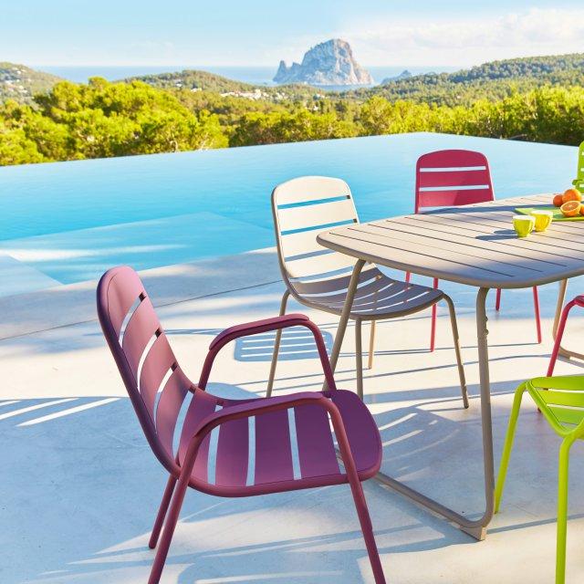 Chaise de jardin multicolore - veranda-styledevie.fr