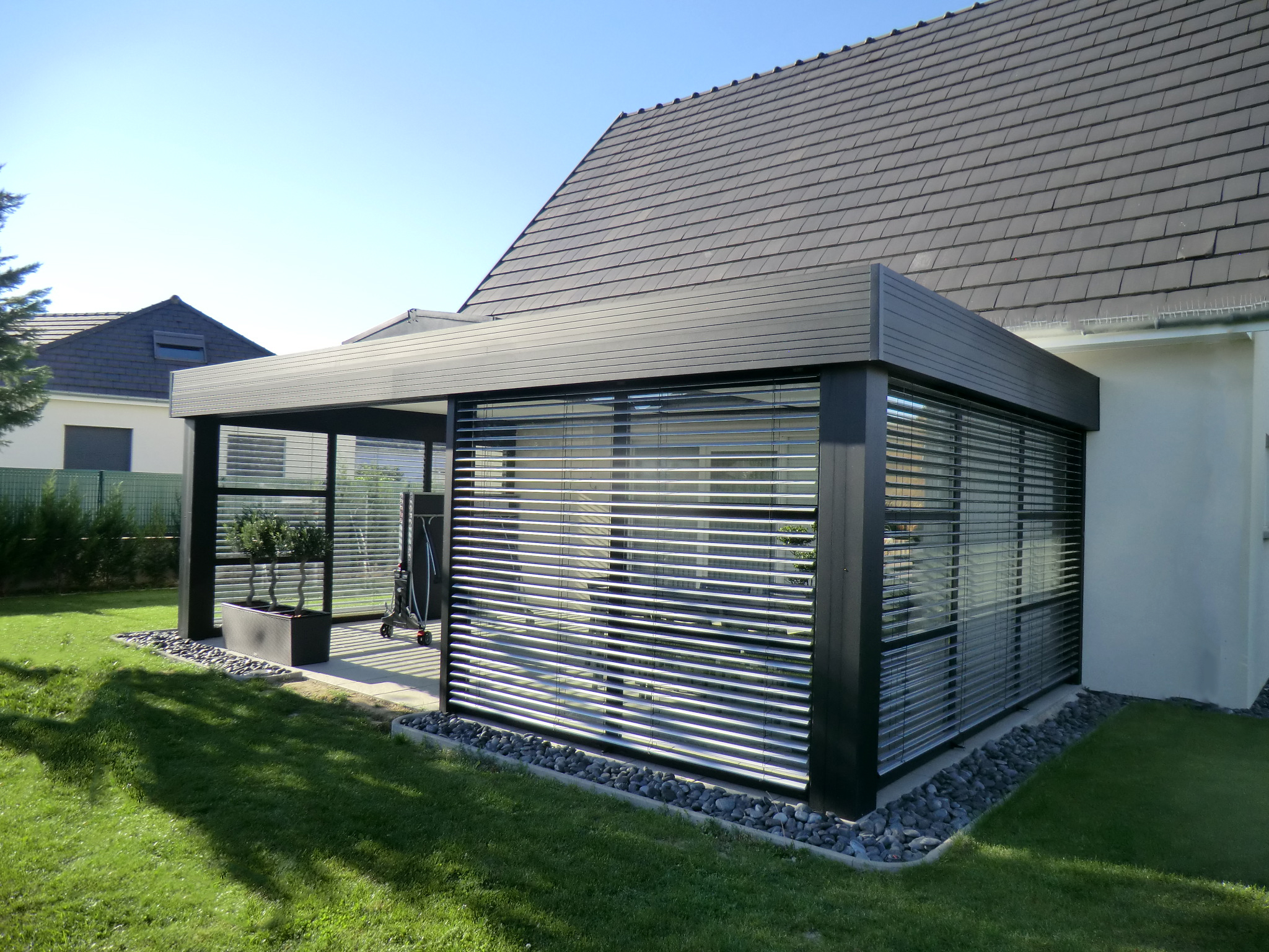 Veranda toit plat technal - veranda-styledevie.fr