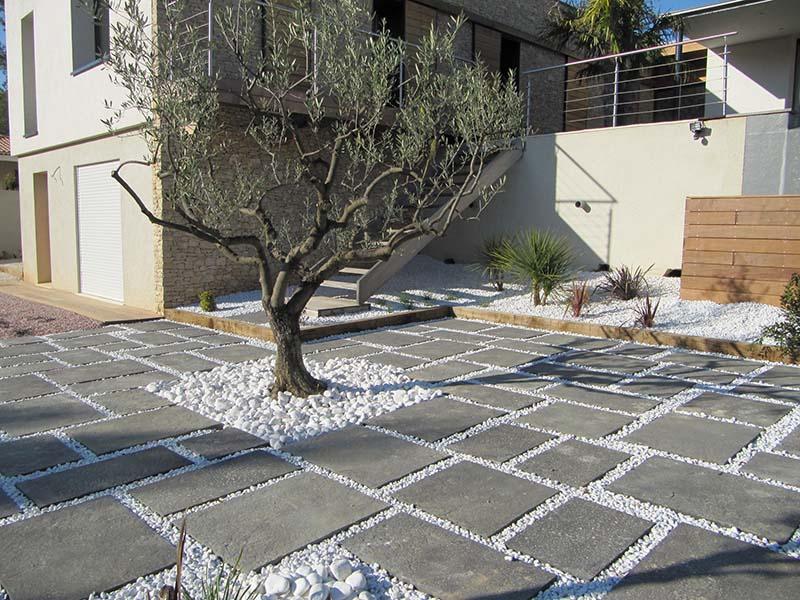 terrasse dalle beton gris veranda. Black Bedroom Furniture Sets. Home Design Ideas