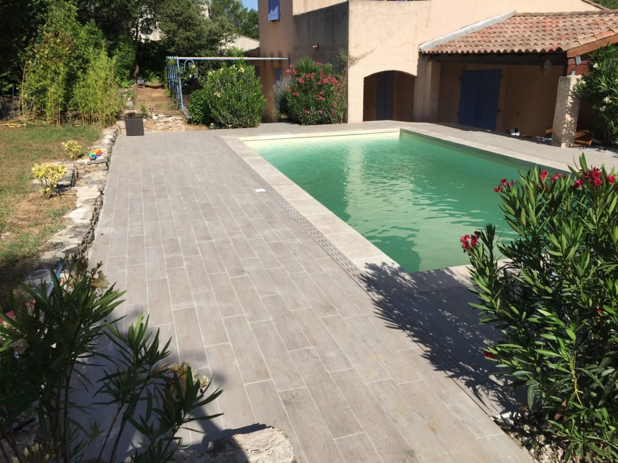 carrelage imitation bois pour terrasse piscine veranda. Black Bedroom Furniture Sets. Home Design Ideas
