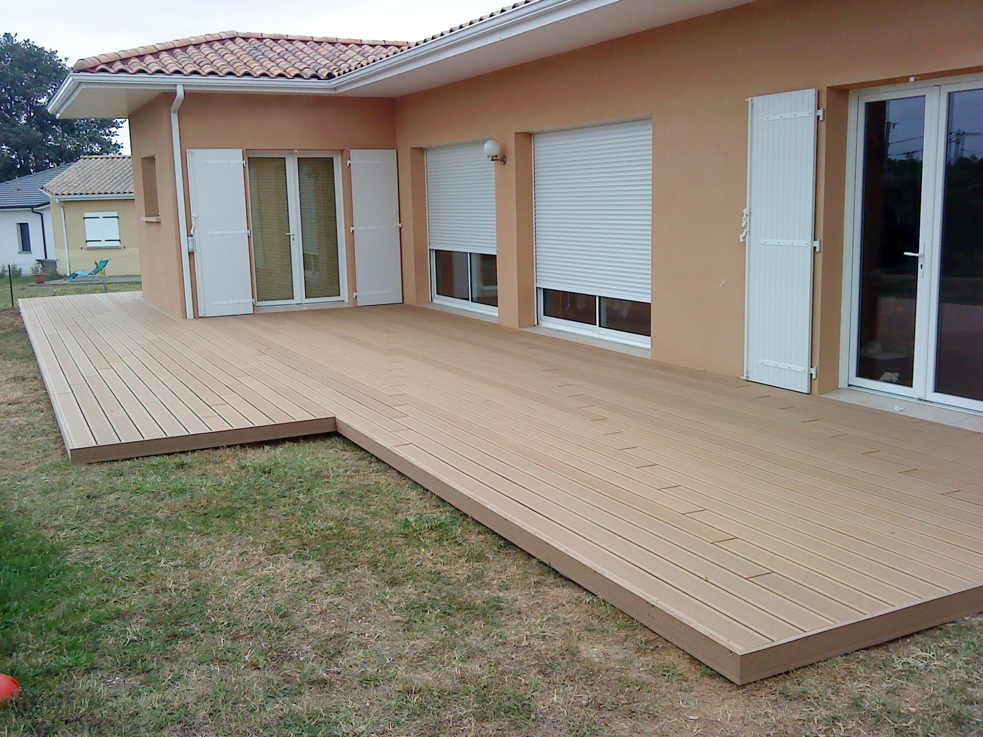 terrasse bois ou composite veranda. Black Bedroom Furniture Sets. Home Design Ideas