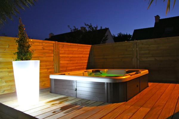 Terrasse Composite Avec Jacuzzi Veranda Styledevie Fr