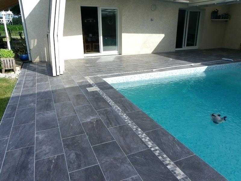 Carrelage gris anthracite pour terrasse - veranda-styledevie.fr