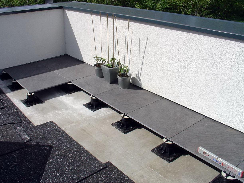 finition bordure terrasse dalle sur plot veranda. Black Bedroom Furniture Sets. Home Design Ideas
