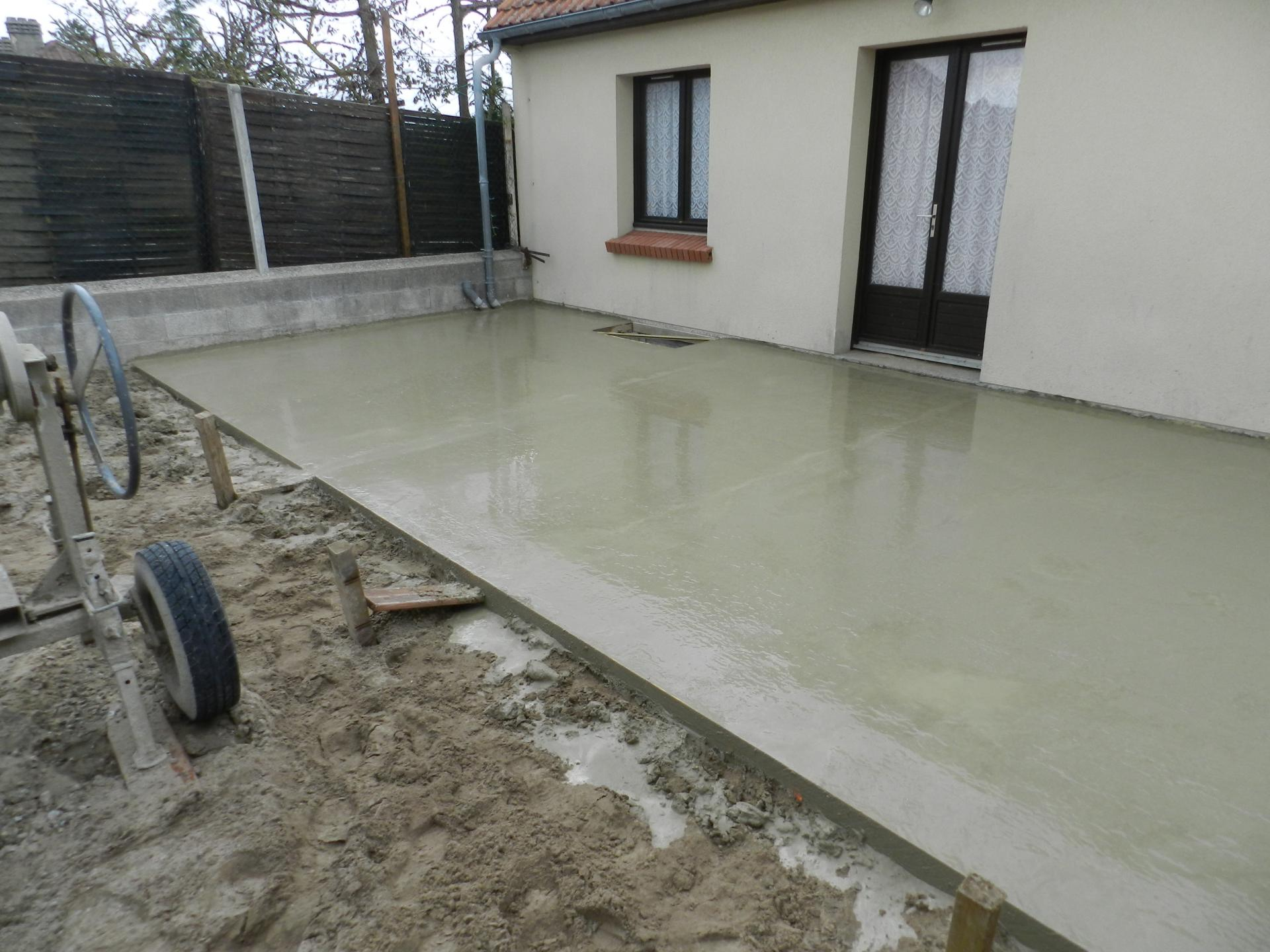 Terrasse beton preparation veranda for Construction en bois ou beton