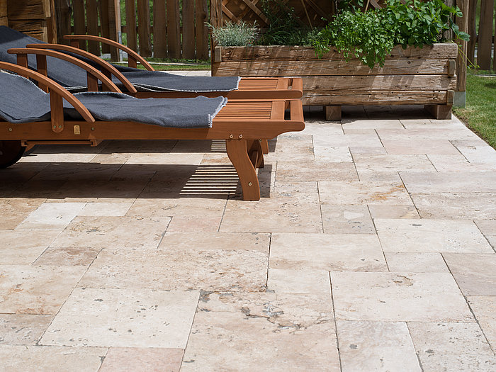 terrasse exterieur travertin veranda. Black Bedroom Furniture Sets. Home Design Ideas