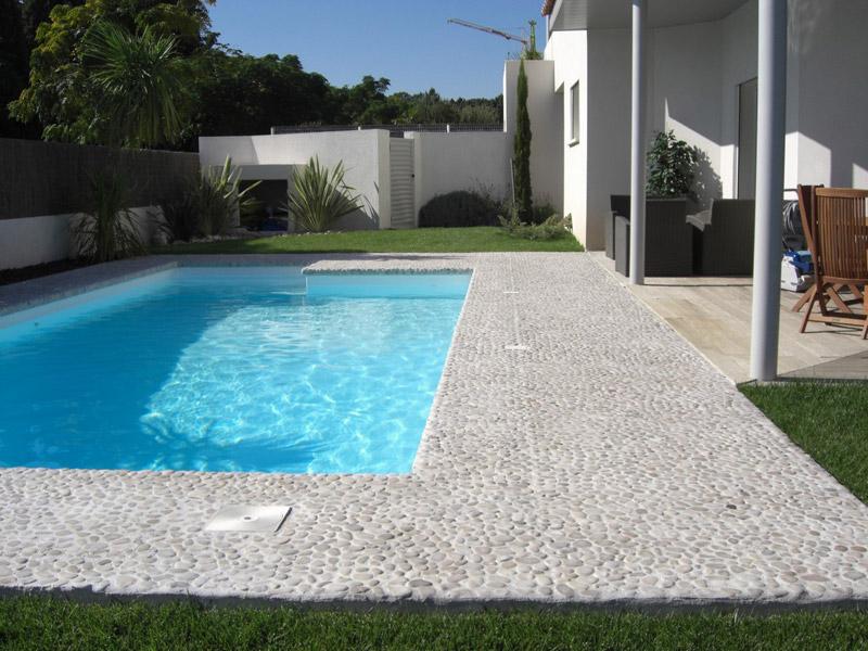 Terrasse galet beton - veranda-styledevie.fr