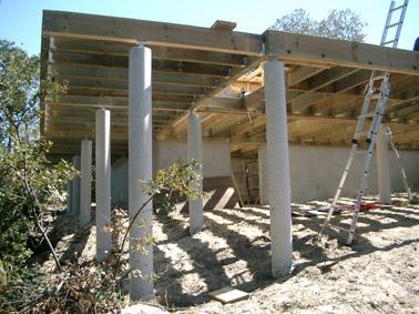 Terrasse sur pilotis bois ou beton veranda - Maison bois sur plots ...