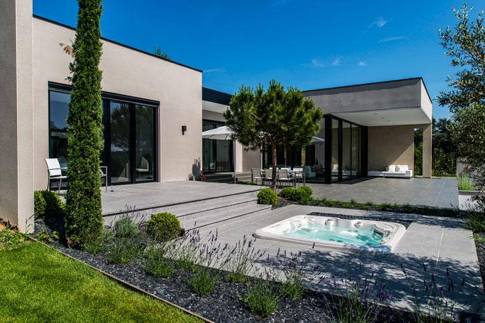 Piscine Interieure Avec Terrasse Veranda Styledevie Fr