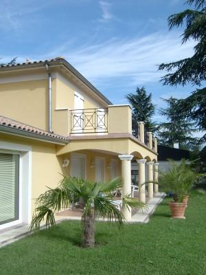 Terrasse avec balcon veranda - Maison avec balcon terrasse ...