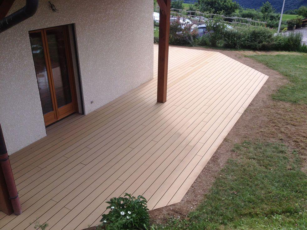 Modele terrasse en bois composite - veranda-styledevie.fr