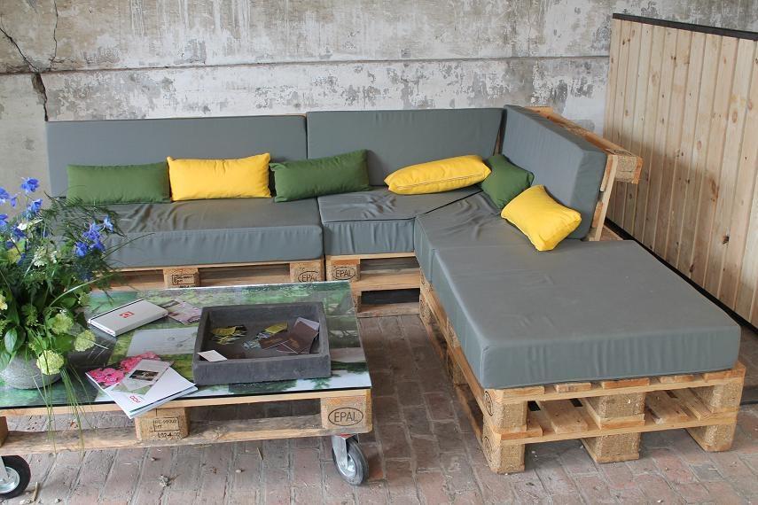 salon de terrasse avec palette veranda. Black Bedroom Furniture Sets. Home Design Ideas