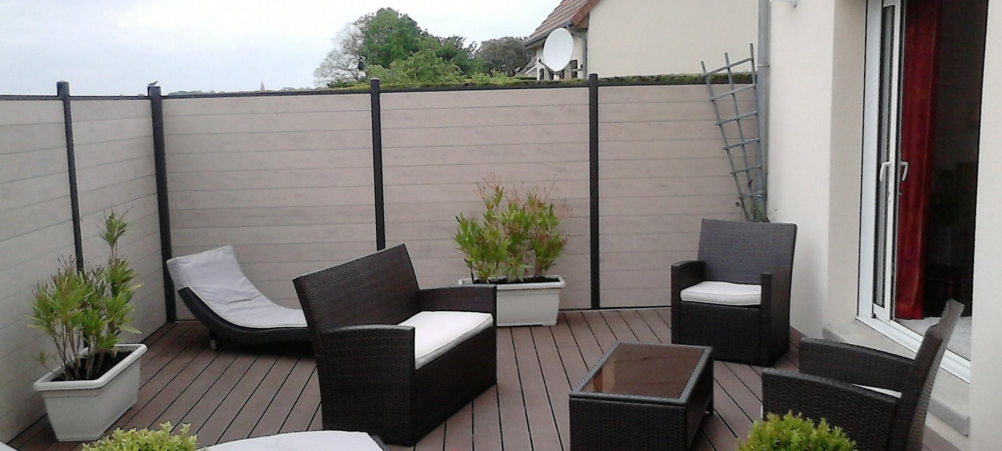 terrasse bois composite sur dalle beton veranda. Black Bedroom Furniture Sets. Home Design Ideas