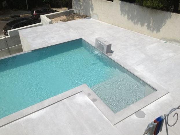 terrasse piscine beton imitation bois veranda. Black Bedroom Furniture Sets. Home Design Ideas