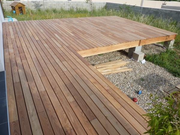 terrasse en bois robinier veranda. Black Bedroom Furniture Sets. Home Design Ideas